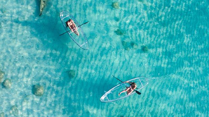 Thuyền kayak 'đáy kính' hot nhất hè này cho tín đồ sống ảo
