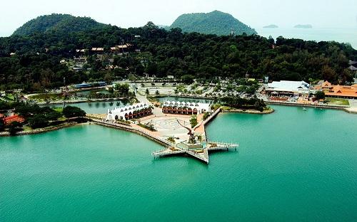 mua-le-hoi-mua-sam-giam-gia-tai-malaysia