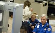 Góc khuất ít nhân viên an ninh sân bay dám ra mặt thừa nhận