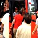 Tranh cãi lý do khách Tây bị vứt hành lý, đuổi xuống xe ở Nha Trang
