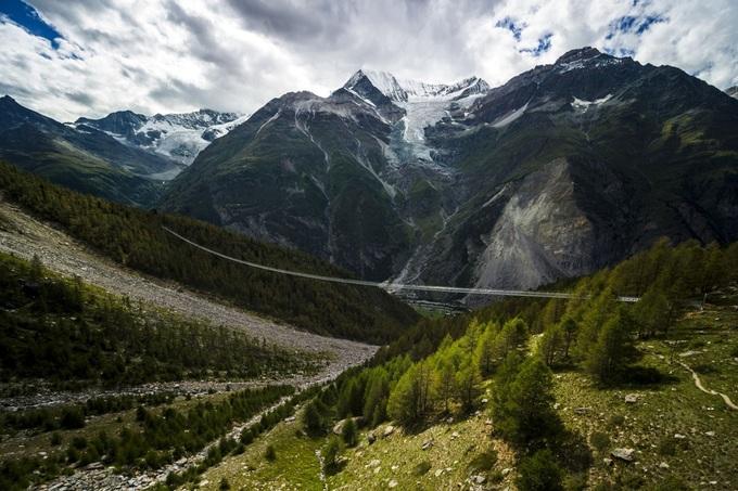 Thụy Sĩ mở cửa cầu treo dài nhất thế giới