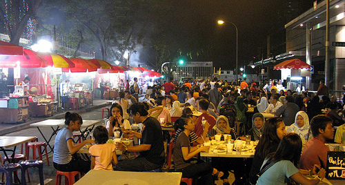 pho-thit-xien-nuong-satay-thom-phuc-tai-singapore