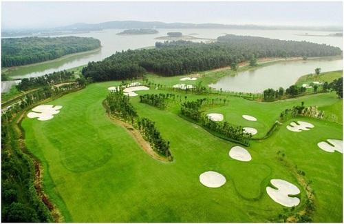 Sân golf 9 lỗ thơ mộng với đa dạng thử thách