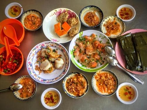 nam-quan-an-lau-doi-dong-khach-o-da-nang-3