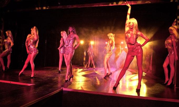 crazy-girls-show-dien-nong-bong-nhat-las-vegas-4