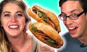 Phản ứng của khách Tây lần đầu ăn bánh mì pate Việt