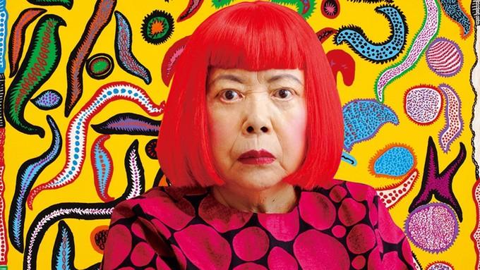 <p> Yayoi Kusama, người phụ nữ khiến hầu hết bảo tàng trên thế giới và du khách phát cuồng, là một nghệ sĩ điêu khắc, họa sĩ, nhà văn nổi tiếng người Nhật Bản. Các tác phẩm của bà theo trường phái Avant-garde (Nghệ thuật vị nghệ thuật).</p>