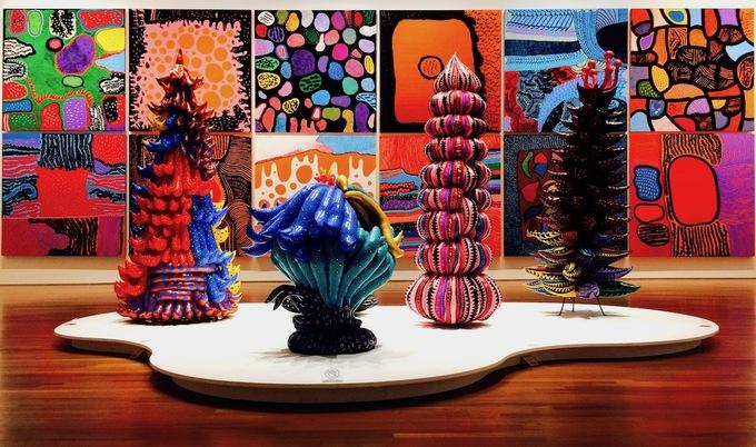 <p> Nơi đầu tiên Kusama đạt được các thành tựu nghệ thuật và khiến cả thế giới biết đến là Mỹ. Bà đã có những năm tháng thành công ở đây và sau đó trở về Nhật Bản.</p>