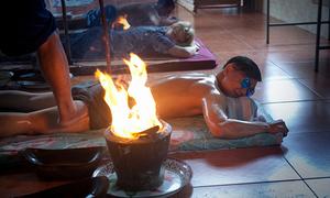 Thuật massage lửa bằng chân của Thái Lan