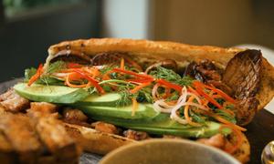 Ổ bánh mì giá hơn 2,2 triệu đồng tại TP HCM