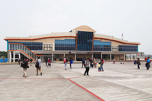 nhung-san-bay-gan-bali-dang-hoat-dong-3