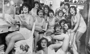 Độ quyến rũ của vũ công hộp đêm 100 năm trước