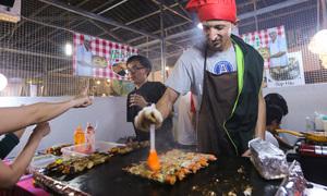 Món ngon hội tụ tại phố ẩm thực ở Nam Sài Gòn