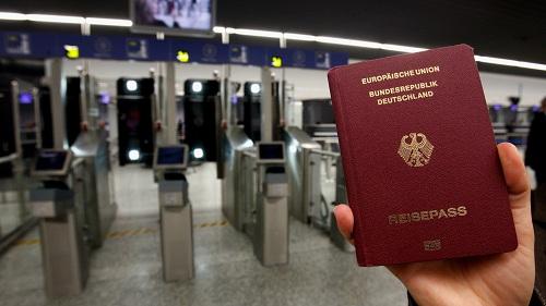 Người Đức có hộ chiếu quyền lực nhất thế giới. Ảnh:Quartz.
