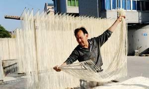 Nghề làm mì sợi truyền thống hơn 300 năm ở Trung Quốc