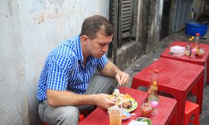 Khách Tây: Thật khó để biết thức ăn đường phố Việt sạch đến đâu