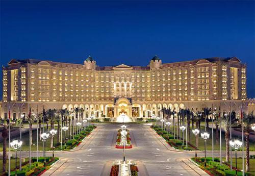 Khách sạnRitz-Carlton Riyadh từng là nơi giam giữ những người trong giới thượng lưu ở Arab. Ảnh: Hotels.com.