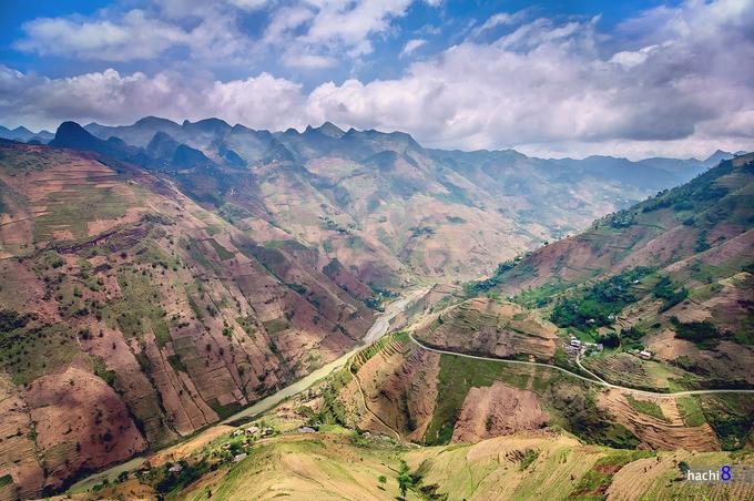Hà Giang nhiều năm gần đây là điểm đến của nhiều người trẻ tuổi thích du lịch.