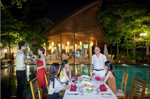 Chương trình ẩm thực Tết sẽ thỏa mãn các tâm hồn ăn uống với những bữa tiệc đầy ắp món ngon trong không gian đẹp, rộn rã âm nhạc và các trò chơi vui nhộn.