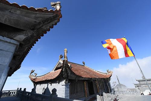 Tượng Phật A Di Đà cao nhất Việt Nam trênđỉnh Fansipan - 3