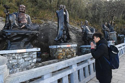 Tượng Phật A Di Đà cao nhất Việt Nam trên đỉnh Fansipan - 3