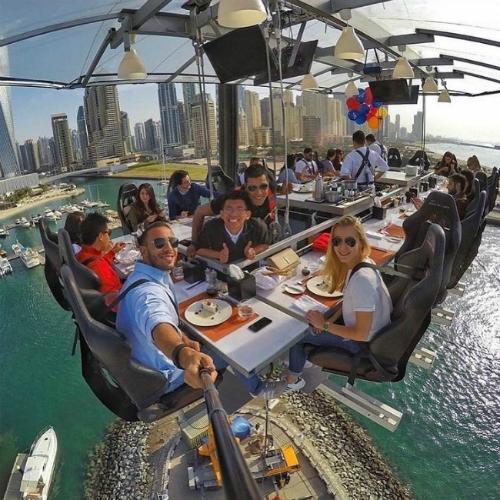 Dubai là điểm đến yêu thích của nhiều người giàu có trên thế giới. Ảnh: Pinterest.