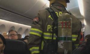 Hành khách bị bỏng vì điện thoại bốc cháy trên máy bay tại Canada