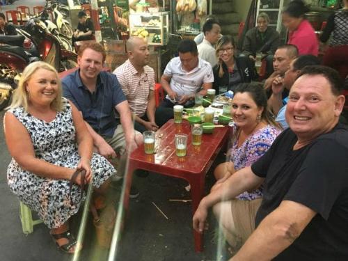 Với nhiều khách quốc tế, ẩm thực Việt Nam luôn là điểm cộng. Ảnh: Escape.