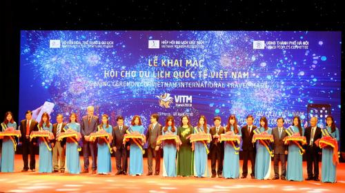 Lễ khai mạc Hội chợ Du lịch Quốc tế Việt Nam diễn ra vào sáng ngày 29/3, tại Hà Nội. Ảnh: Hương Chi.