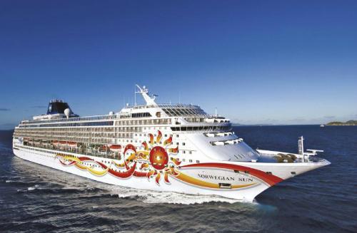Mỗi hành khách đã phải bỏ ra hàng nghìn USD cho chuyến đi 16 ngày trên biển bằng du thuyền. Ảnh: