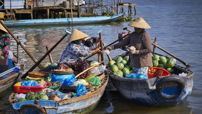<p> <strong>Cần Thơ</strong></p> <p> Một trong những thành phố thuộc đồng bằng sông Cửu Long đẹp nhất ở Việt Nam là Cần Thơ. Không chỉ có những kênh rạch chằng chịt, các vườn cây trái xanh mát, cánh đồng lúa trải dài, Cần Thơ còn có nét văn hóa chợ nổi đặc sắc thu hút du khách khắp nơi. Ảnh: <em>Azerai hotel Can Tho.</em></p>