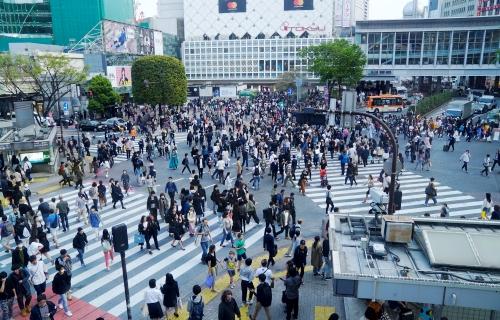 Ngã tư Shibuya - giao lộ đông đúc nhất thế giới ở thủ đô Tokyo, Nhật Bản. Ảnh: Thiết Nguyễn.
