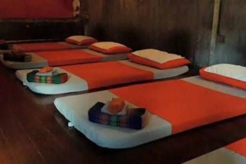 Massage là dịch vụ rất phổ biến, được nhiều du khách yêu thích khi tới Thái Lan. Ảnh: Star.