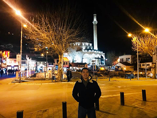 Phan Hiếu tại Kosovo, đất nước nằm ở Đông Nam châu Âu. Ảnh: NVCC.