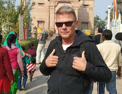 Chỉ vài tiếng sau khi nghe tin con gái đã đến Ấn Độ, Graig Doody đã lên máy bay sang Ấn Độ để tìm và đưa con về nhà an toàn. Ảnh: NZH.