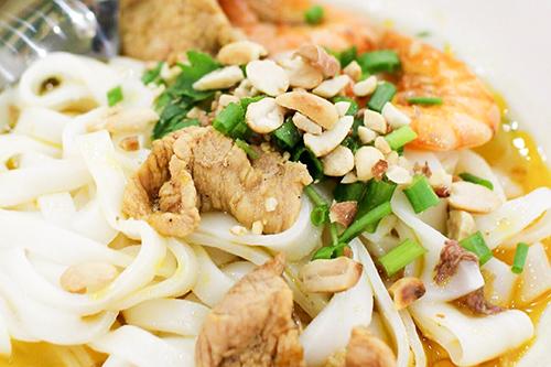 Tô mì Quảng có giá trung bình 30.000 đồng.