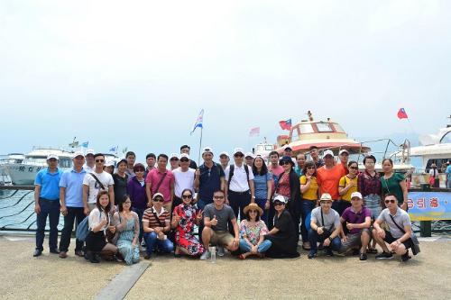 Du khách ở bến thuyền hồ Nhật Nguyệt, Đài Loan.