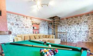 Nhóm du khách 'vỡ mộng' vì quá tin ảnh quảng cáo trên Airbnb