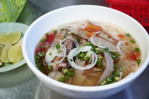 Bún lá cá dầm là một trong những món đặc sản dễ tìm thấy ở Nha Trang. Ảnh: Di Vỹ.