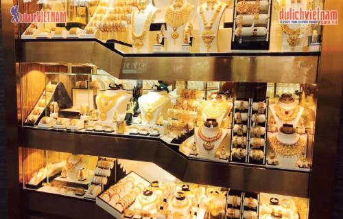 Chợ Vàng Gold Souk nổi tiếng.