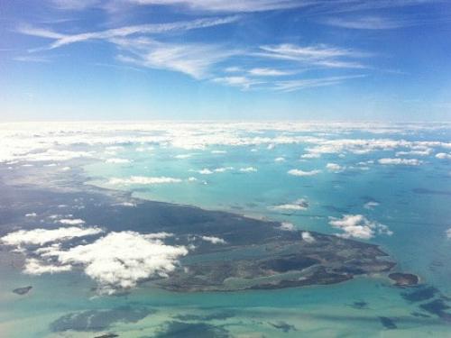 Các nhà khoa học tin rằng sóng độc ở Bermuda là nguyên nhân gây ra nhiều vụ mất tích. Ảnh: News.