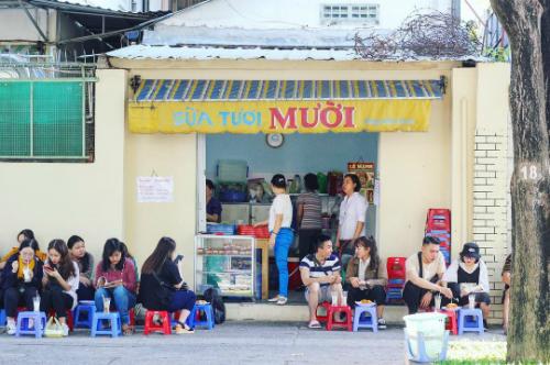 Quán sữa tươi của hai chị em Sài Gòn. Ảnh: Ngọc Ánh.