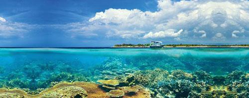 Dù có nhiều đảo như vậy nhưng du khách tới Indonesia dường như chỉ đổ dồn vào một đảo duy nhất: Bali. Đây cũng là hòn đảo du lịch đông khách nhất đất nước. Ảnh: TopDesk Travel.