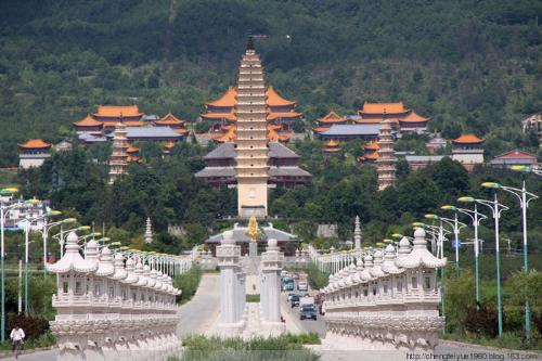 Trung Quốc cuốn hút du khách bởi vẻ đẹp cổ kính.