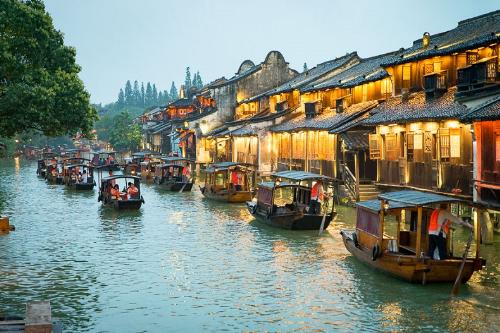 Thị trấm sông nước ở Trung Quốc.