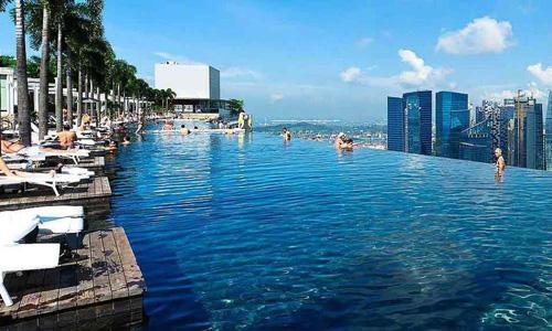 Bể bơi vô cực ở Marian Bay Sands. Ảnh: Firststopsingapore.