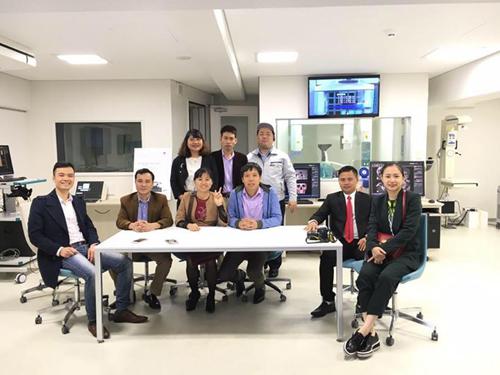 Học nội nha chuyên sâu cùng Morita tại Nhật Bản.