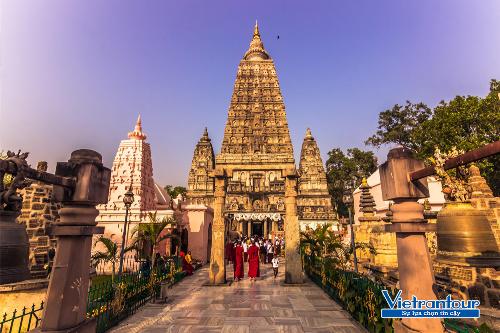 Bồ Đề Đạo Tràng (Ấn Độ) - một trong 4 thánh tính linh thiêng của Phật giáo được nhiều du khách lựa chọn để hành hương vào mùa thu.