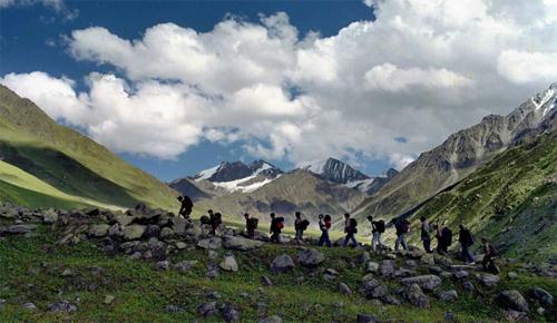 Một trong những đường trekking khónhất trên thế giới là Snowman Trek - đi qua 11 đèo trên dãyHimalaya, trải dài từ Bhutan đến Tây Tạng. Ảnh:Bhutan Travel.