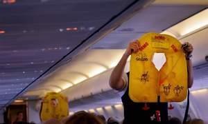Những vật dụng thường bị khách lấy cắp trên máy bay